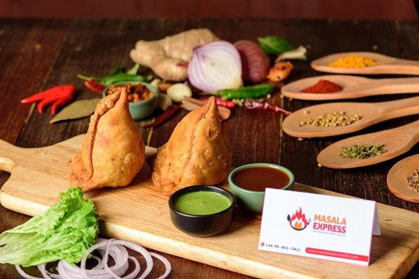 Vegetable Samosa ( 2pcs)